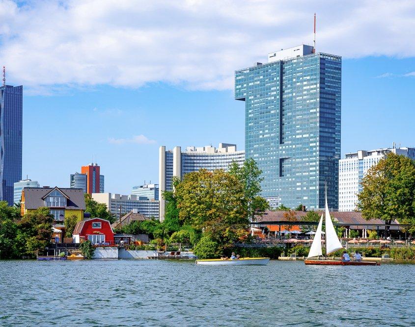 Das Strandbad Gänsehäufel ist ein beliebter Freizeitort bei Wiener Familien und Freiwasserschwimmern