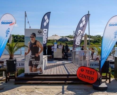 At the wetsuit test swim you can test wetsuits of different brands in the water.