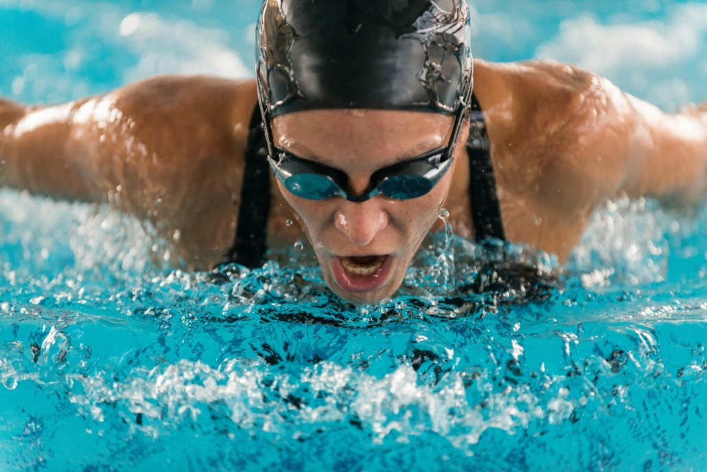 Suction cup goggles are mainly used by triathletes