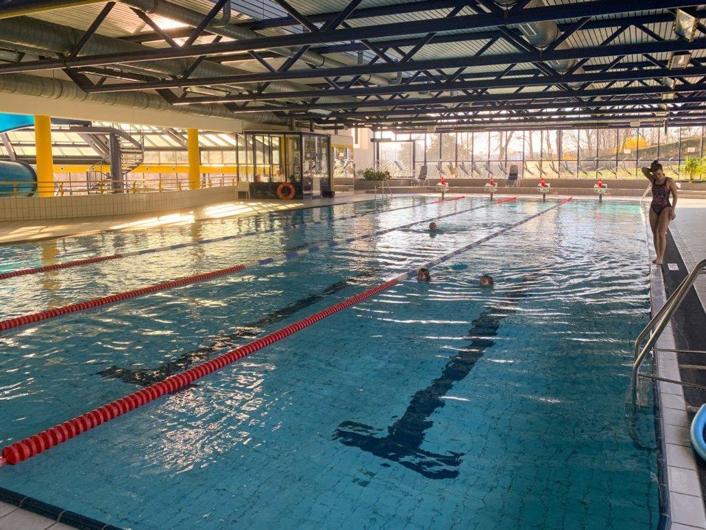 Nach langer Zeit dürfen wir wieder Schwimmkurse im Hütteldorfer Bad und im Döblinger Bad anbieten