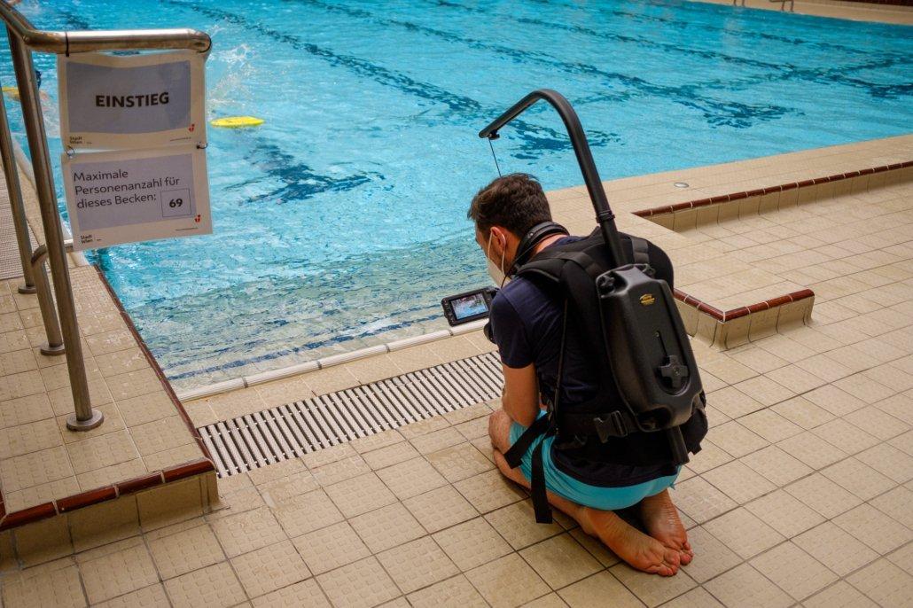 Der Standard begleitet die Schwimmschule Steiner im Wiener Amalienbad