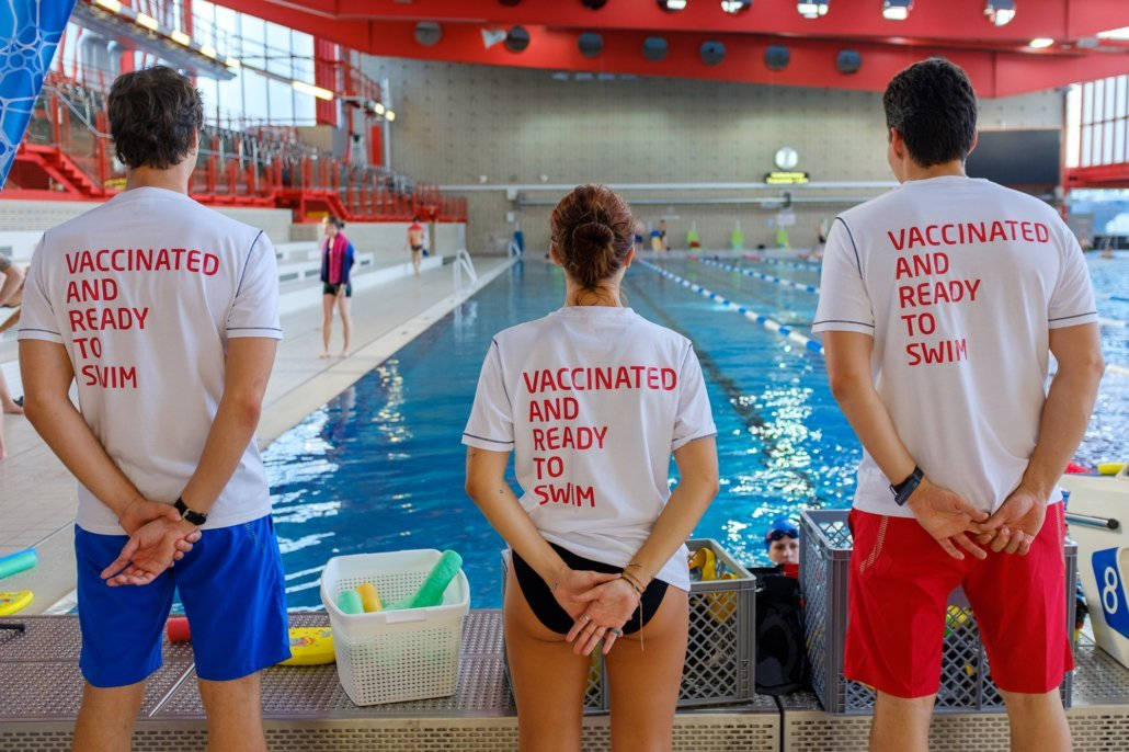 The entire team of Schwimmsport Steiner, over 30 employees, is fully vaccinated. We are ready for the autumn swimming lessons and swimming courses in the winter semester 2020/2021